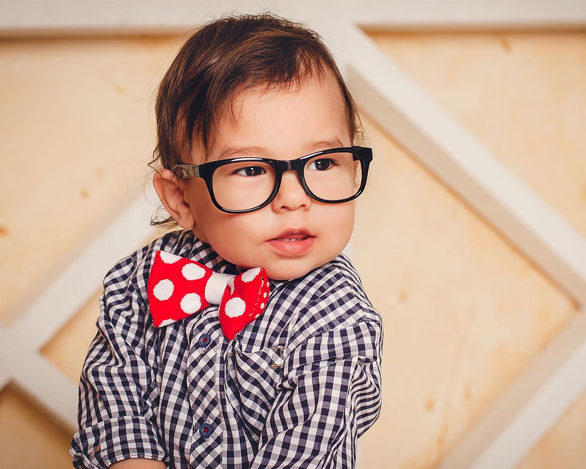 Детская фотосессия в очках