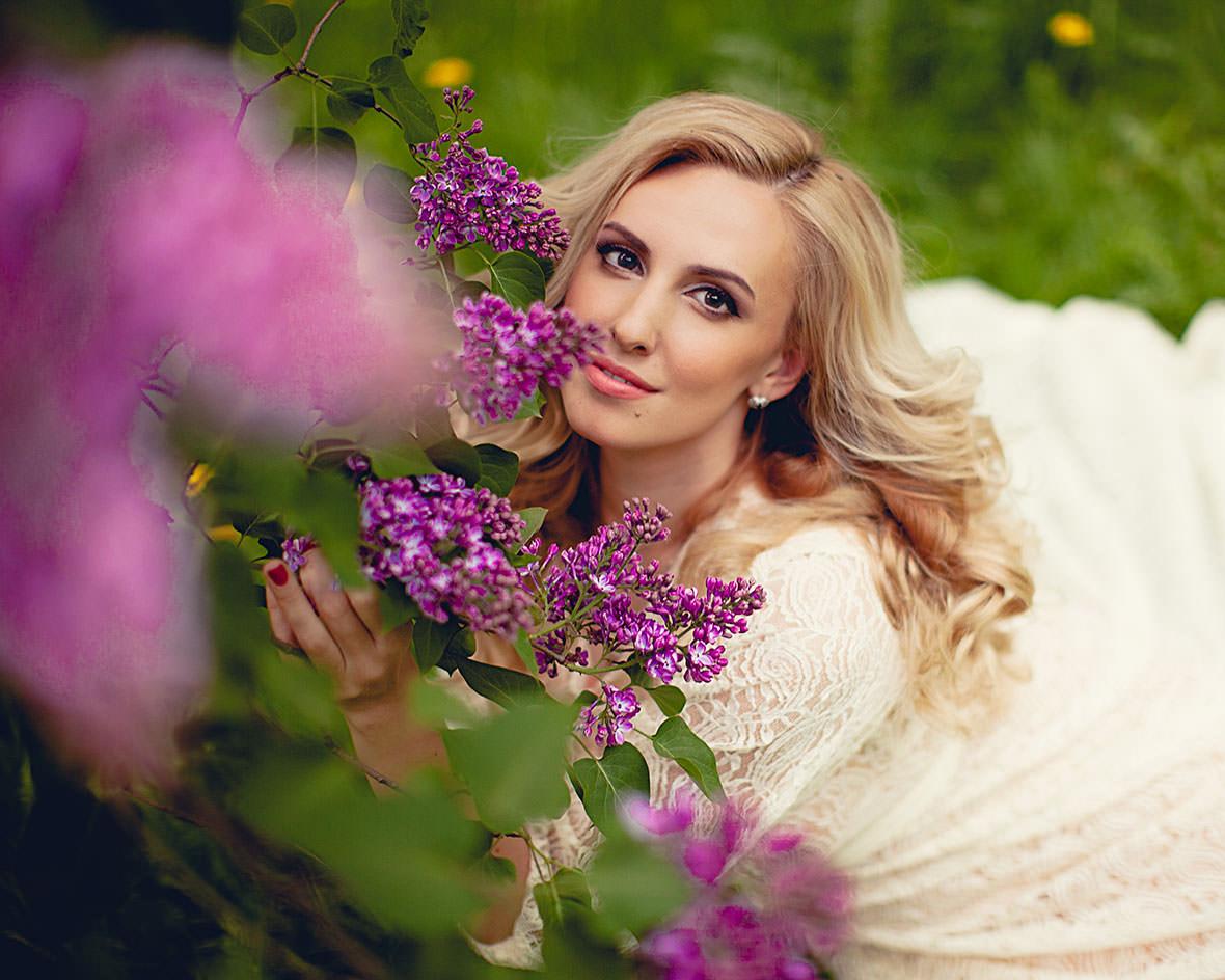 Ольга Гажиенко с цветами