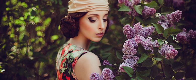 Красавица с цветами