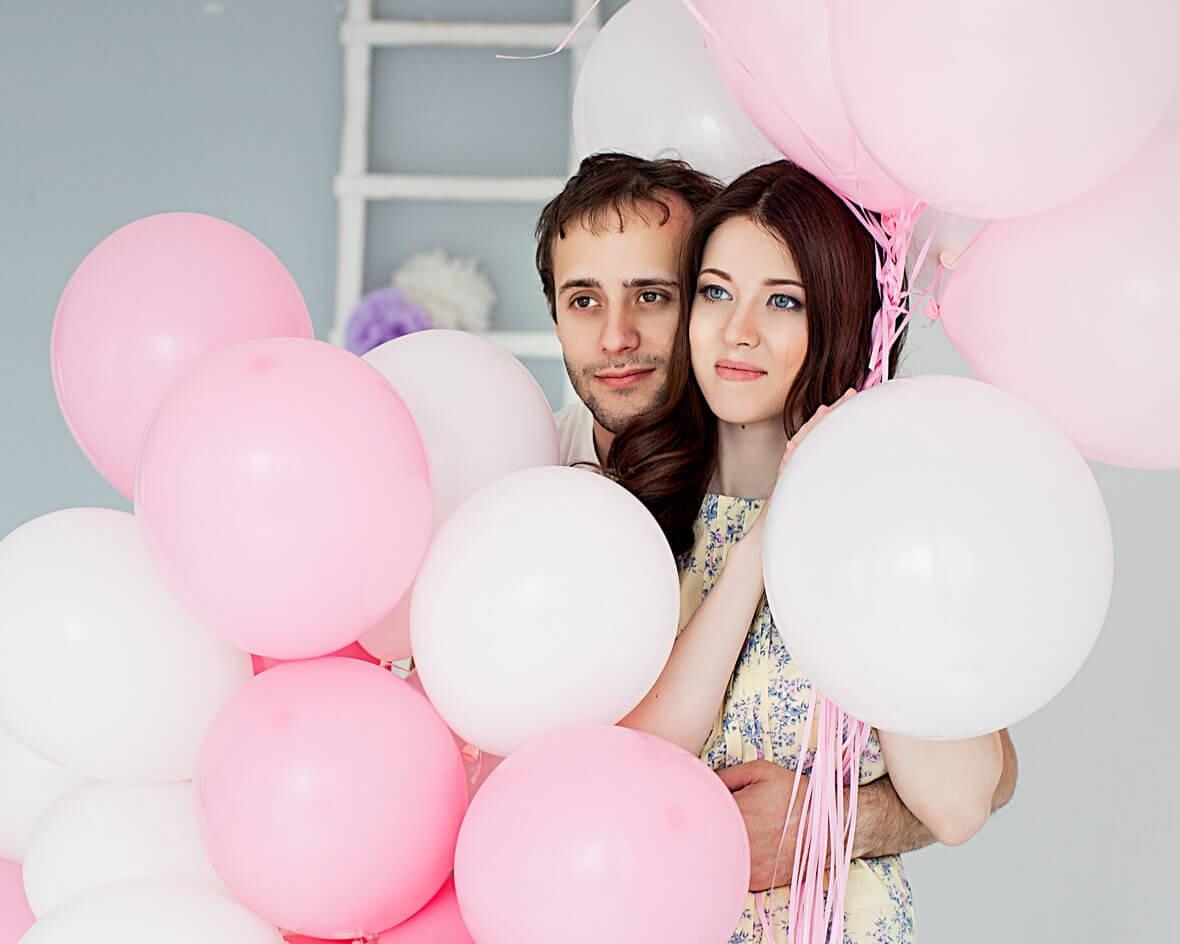 Семейное фото с воздушными шарами