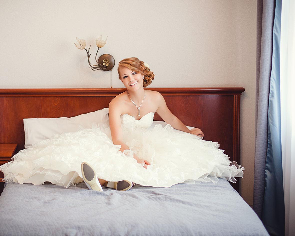 Фото невеста на кровати