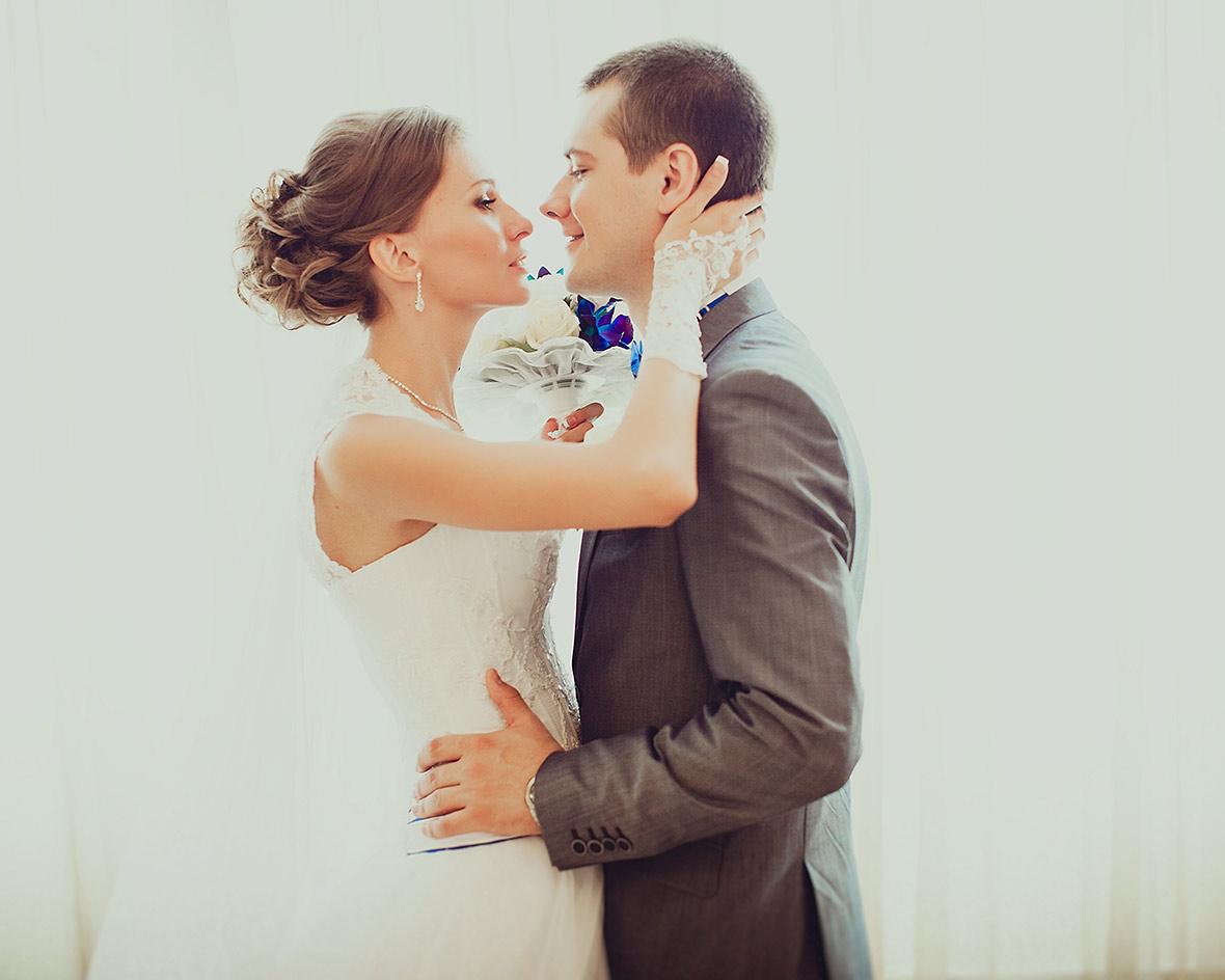 Светлая фотосессия свадьбы