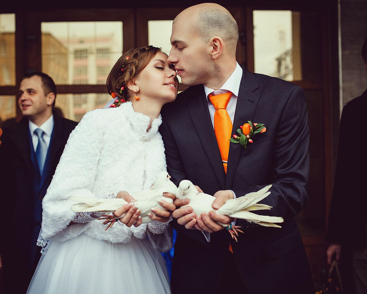 Свадебное фото голуби